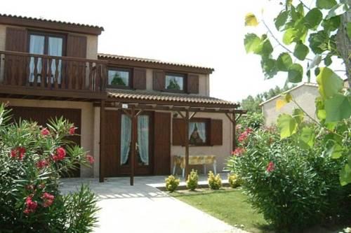 Holiday home Les Tamaris & Les Portes Du Soleil 2 : Guest accommodation near Cers