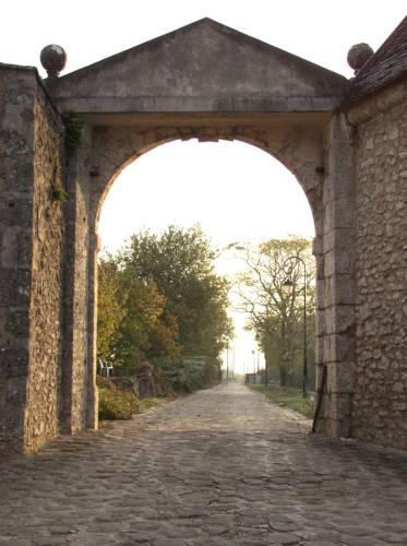 Chateau de Montrame : Hotel near Passy-sur-Seine