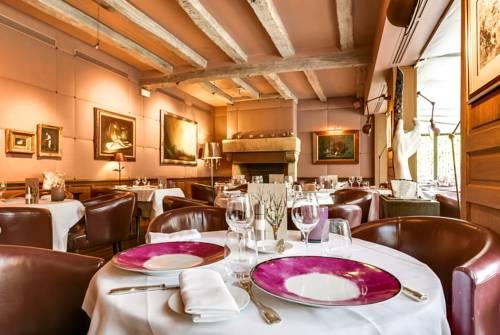 Relais & Châteaux-Hotel Cazaudehore - La Forestière : Hotel near Achères