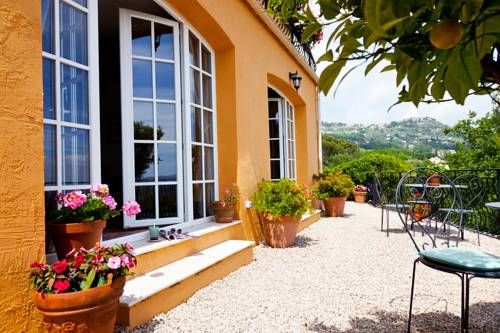 Villa Juli Guesthouse : Bed and Breakfast near Spéracèdes