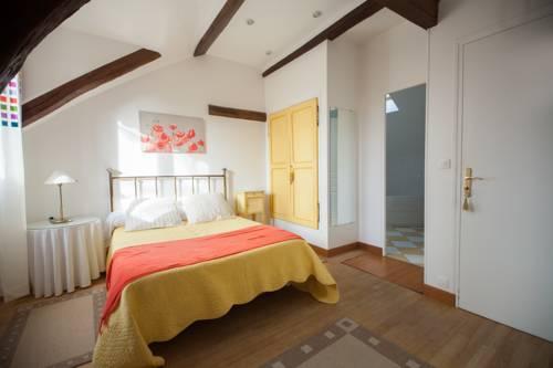 Ferme des Vallees : Bed and Breakfast near Longnes