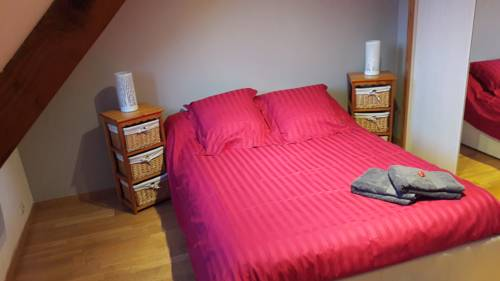 La Maison Du Bonheur : Bed and Breakfast near Saintry-sur-Seine