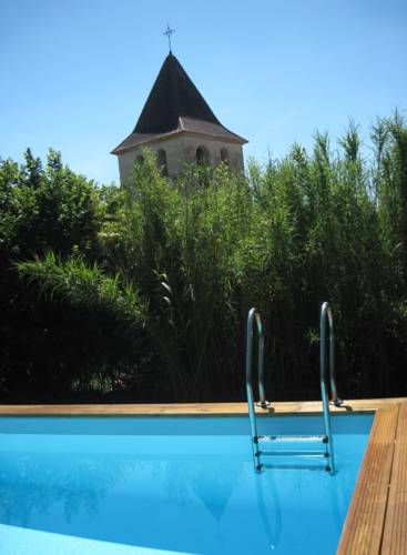 Pretty House Private Garden Heated Pool : Guest accommodation near Ribérac