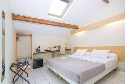 Le Pavillon de l'Aéro - Versailles - Saint Cyr l'Ecole Solution hôtel entreprises : Hotel near Plaisir