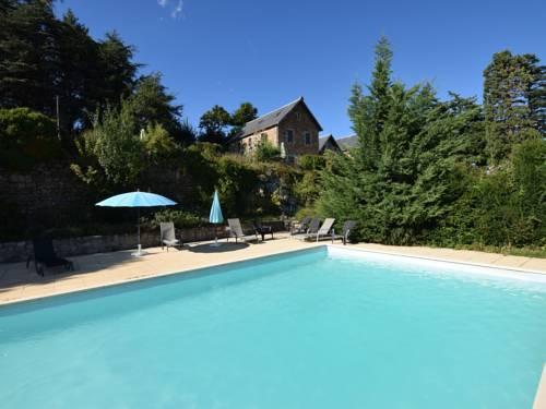 Appartement Chateau en Ardeche Annexe : Guest accommodation near Saint-Julien-Labrousse