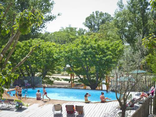 Huttopia Le Moulin : Guest accommodation near Saint-Just