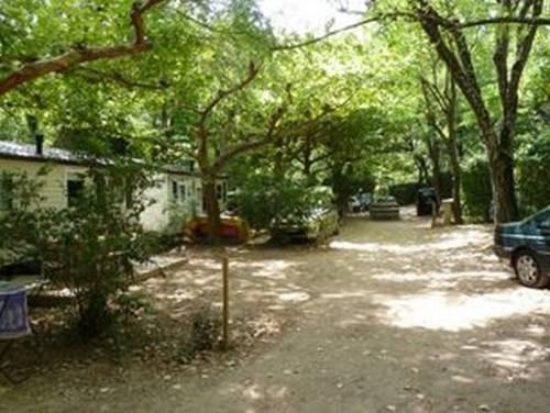 Camping Le Camp des Gorges : Guest accommodation near Labastide-de-Virac