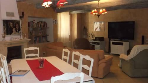 La Grange d'Antan : Bed and Breakfast near Assignan