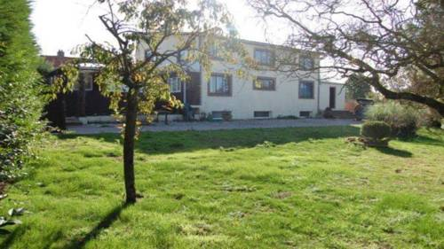 Samer House : Guest accommodation near Carly
