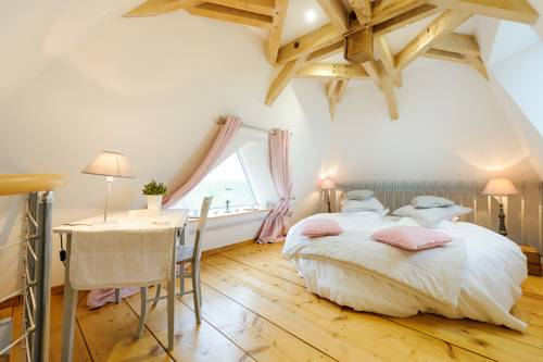 Les Chambres de Ribeaufontaine : Bed and Breakfast near Vaux-Andigny