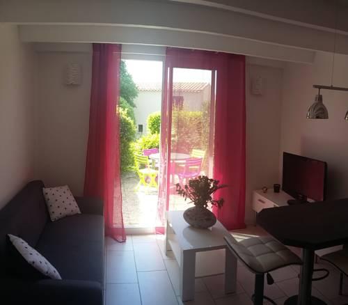 Charmante maison sur la route Napoléon Grassoise : Guest accommodation near Caussols