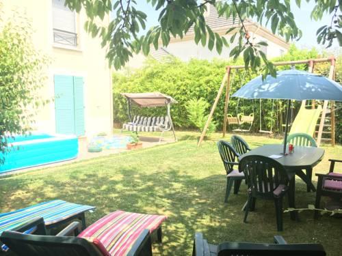 Disney Garden House : Guest accommodation near Villeneuve-Saint-Denis