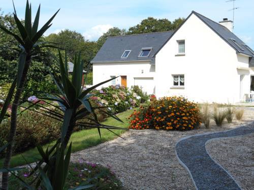 Location kerhall : Guest accommodation near Bénodet