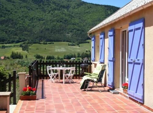L'alleve : Guest accommodation near Glandage