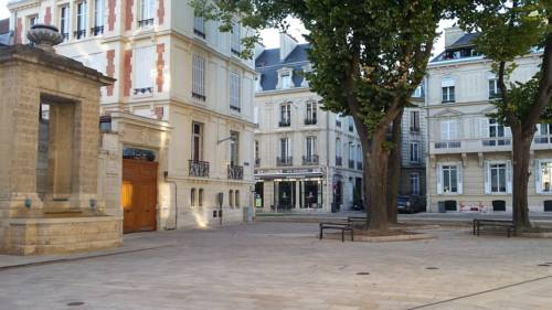 The Absolute Center of Reims : Apartment near Reims