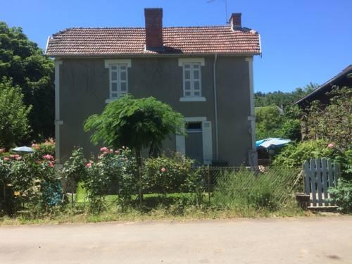 Les Rosiers Lascaux : Guest accommodation near Valojoulx