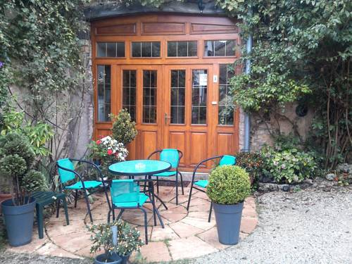 Le Chanois : Bed and Breakfast near Lomont-sur-Crête