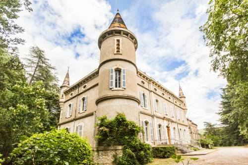 Chateau de Bournet : Bed and Breakfast near Grospierres