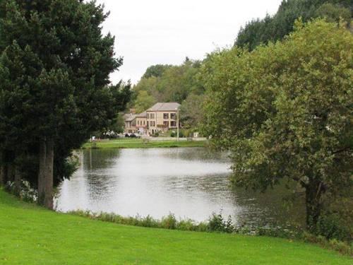 Au Lac des Moines : Hotel near Ferrières-sur-Sichon