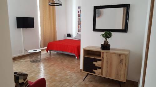 Appartement Gare Centre : Apartment near Avignon