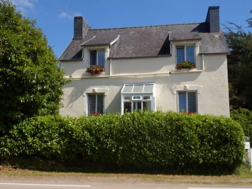 Riverside Bed and Breakfast : Bed and Breakfast near La Feuillée