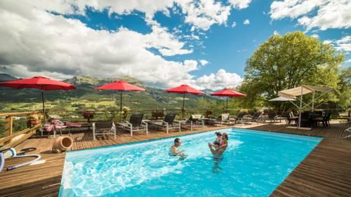 Chalet les Moineaux Chambres d'Hôtes : Guest accommodation near Larche