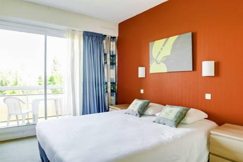 Brit Hotel Le Parc Rive Gauche : Hotel near Abrest
