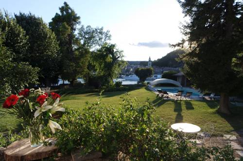 Villa Rhôna : Bed and Breakfast near Roiffieux