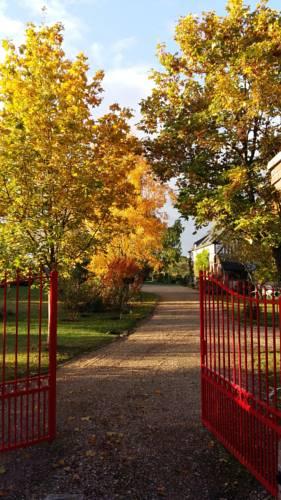 Chambre d'hôtes - Le jardin des Patissons : Bed and Breakfast near Saint-Germain-de-Fresney