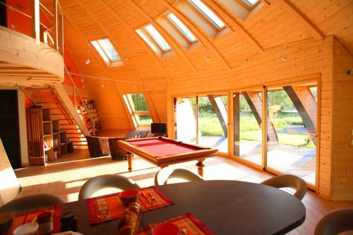 Chambres d'hôtes Le Domaine du Centaure : Bed and Breakfast near Corneuil