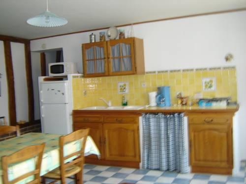 Les croisettes : Guest accommodation near Bécourt