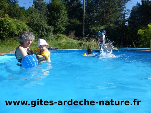 Chalets D'arbres : Guest accommodation near Coux
