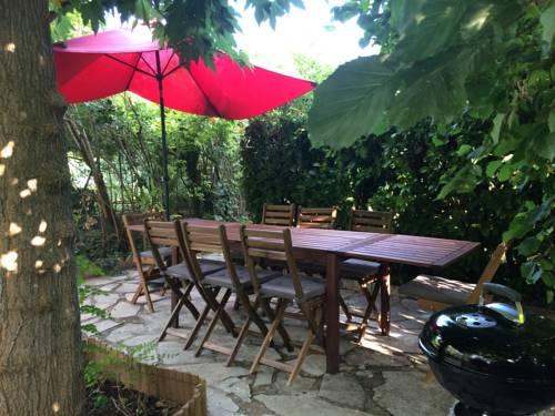 Aniane Maison Renovee avec Jardin et Boulodrome : Guest accommodation near Aniane