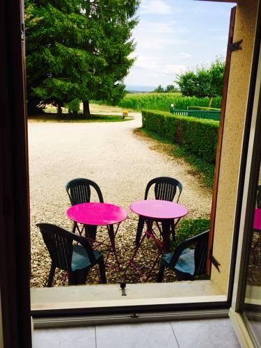 la ferme des Bioux : Apartment near Saint-Georges-sur-Renon