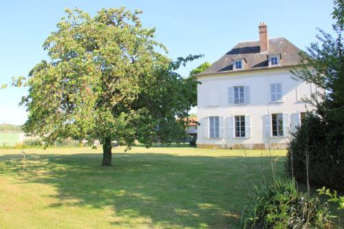 Le clos de Rudignon : Bed and Breakfast near Laval-en-Brie