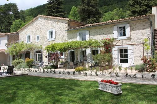 Gîtes Les Jardins de Soulane : Guest accommodation near Greffeil