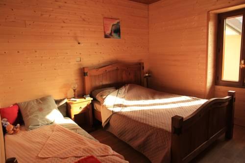 Merveille De Chartreuse : Bed and Breakfast near Saint-Laurent-du-Pont