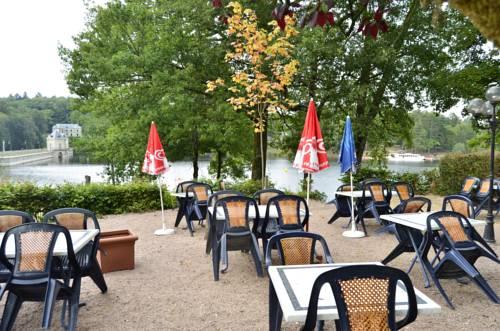 La Morvandelle : Hotel near Alligny-en-Morvan