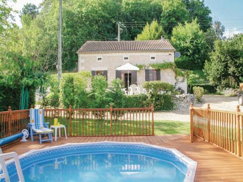 Holiday Home Le Chene Vert : Guest accommodation near Neuvic