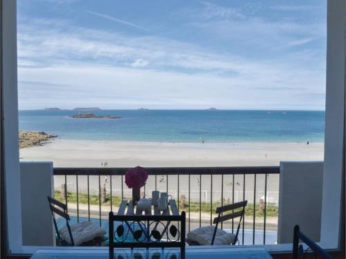 One-Bedroom Apartment in Perros Guirec : Apartment near Louannec