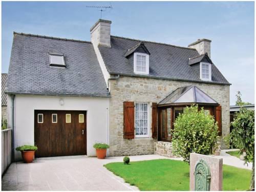 Holiday home Rue du Calvaire : Guest accommodation near Le Cloître-Saint-Thégonnec