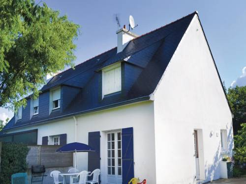 Holiday home Peyrignac N-695 : Guest accommodation near Pleuven