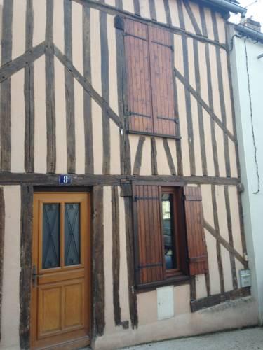 Le gîte Camille Claudel : Apartment near Melz-sur-Seine