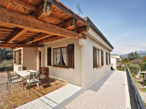 Apartment chemin des Launes : Apartment near Carros