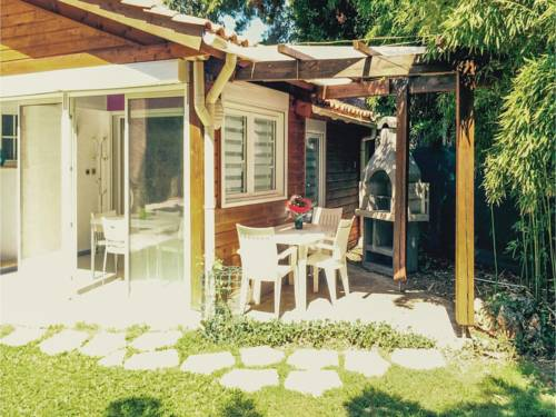 Two-Bedroom Apartment in Frontignan : Apartment near Frontignan