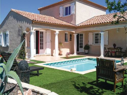 Three-Bedroom Holiday Home in Servian : Guest accommodation near Abeilhan