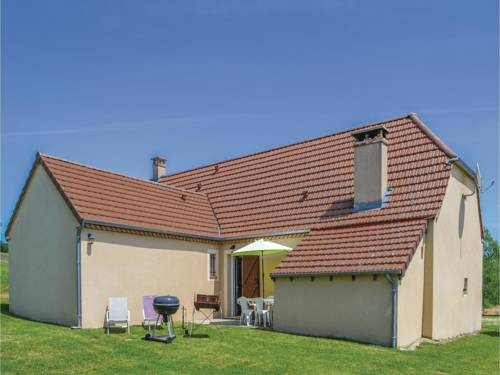 Three-Bedroom Holiday Home in Montfaucon : Guest accommodation near Frayssinet