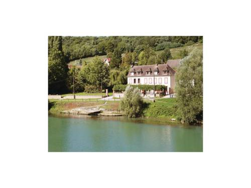 Four-Bedroom Holiday Home in Jaulgonne : Guest accommodation near Passy-sur-Marne