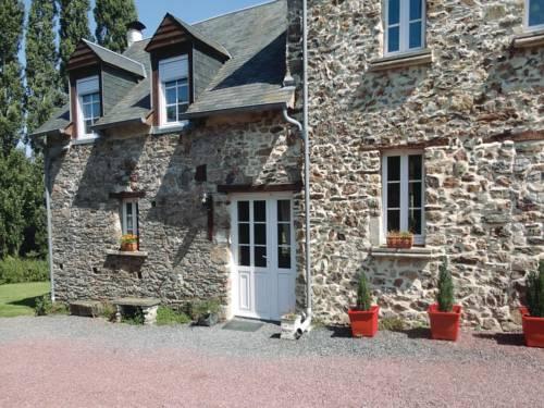 Holiday home Pont Hebert J-808 : Guest accommodation near Pont-Hébert