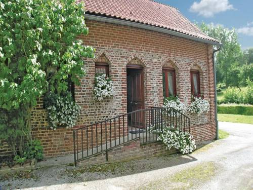 Holiday Home Embry Rue Du Haut Pont : Guest accommodation near Lebiez